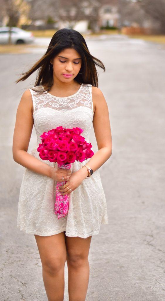 White dress pink roses pic 2
