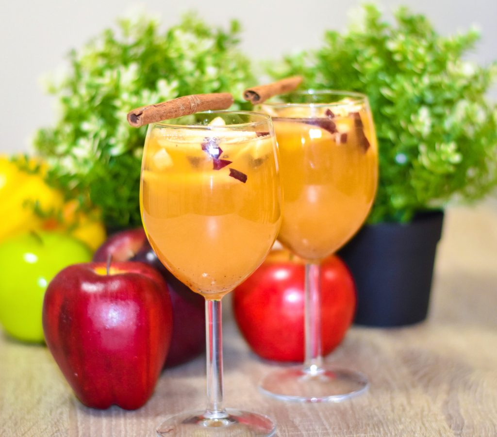 Apple and lemon mocktail